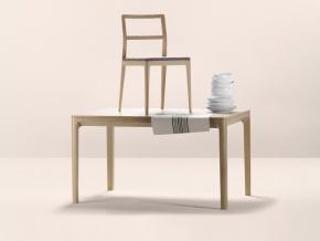Alki Biga - стулья и столы в классическом стиле